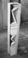 Lothar Rumold: Turm I, 1990, Linde, Öl, 100 x 16 x 16 cm