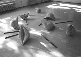 Lothar Rumold: Die sieben Freuden und die sieben Schmerzen Mariens, 1999, Birke, Eisen
