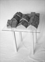 Lothar Rumold: Hocker-Plastik, 1995, Eiche, Glasplatte, Hocker, 57 x 49 x 49 cm