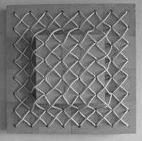 Lothar Rumold: Im Netz, 1995, Spanplatte, Seil, 80 x 80 x 15 cm