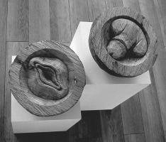 Lothar Rumold: Platonische Begegnungen - Die Geschlechtsteile, 2005, Eiche, D 24 cm